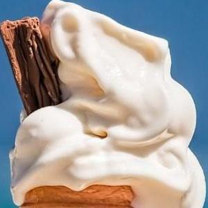 cropped-ice-cream-cone-1274894_1280-e1495543122987.jpg